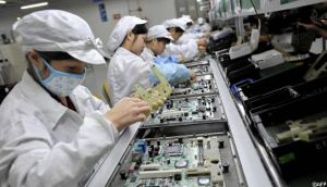 Foxconn looks to a robotic future [Financial Times]